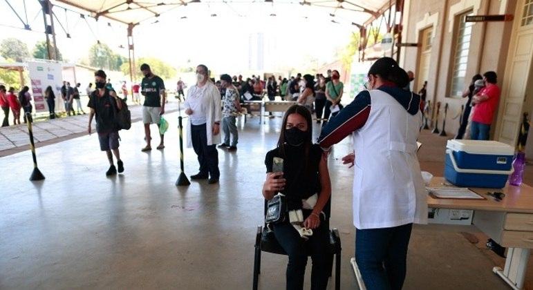 Mais de 72 milhões de brasileiros já receberam as duas doses do imunizante