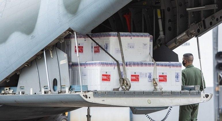 Governo conta com entregas de imunizantes do Butantan e da Fiocruz