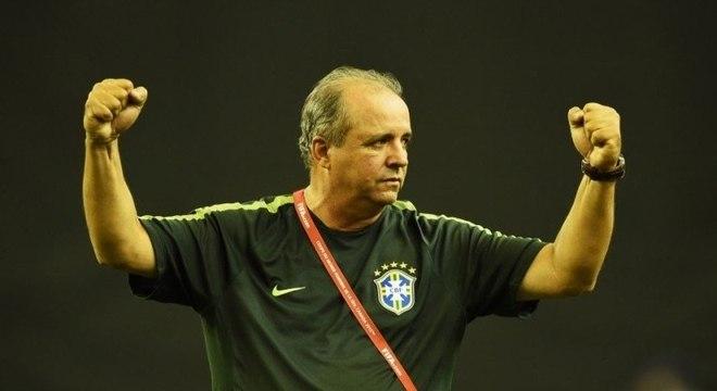 Vadão teve a humildade de pedir a volta de Cristiane à Seleção Brasileira