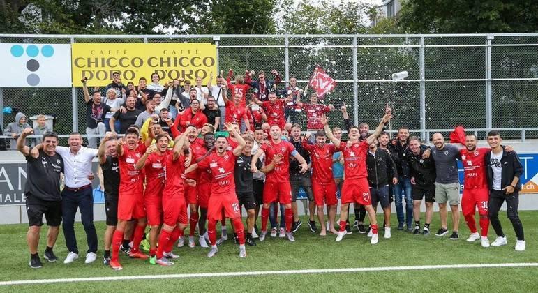 A celebração do Vaduz, campeão da Copa do Liechtenstein
