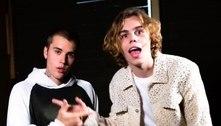 """The Kid LAROI e Justin Bieber unem forças no single """"Stay"""". Ouça com letra e tradução"""