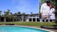 Jennifer Lopez e Ben Affleck visitam mansão de R$ 330 milhões para comprar. Veja as fotos!