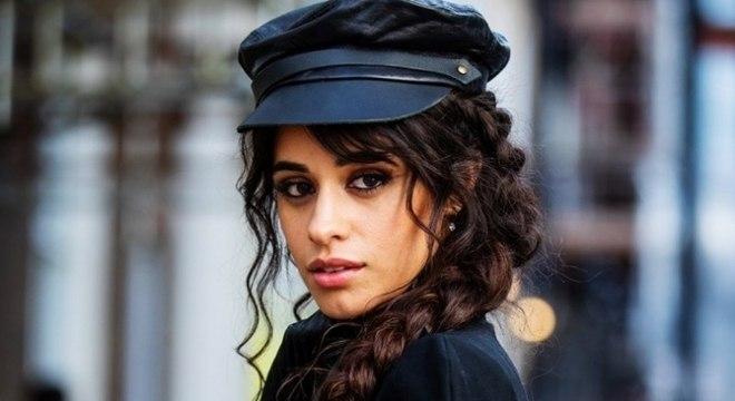Camila Cabello pede desculpas após comentários racistas de quando era adolescente ressurgirem
