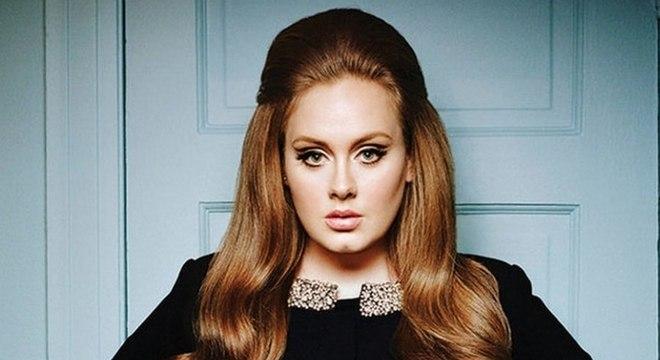 Empresário de Adele confirma retorno da cantora à música em 2020