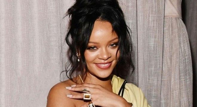 Rihanna celebra aniversário com festa no México