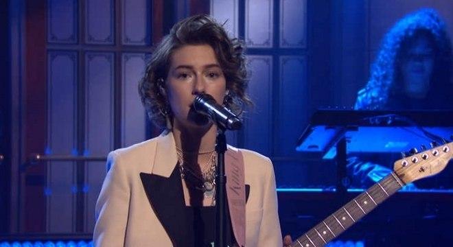 Veja a performance de King Princess no SNL. Cantora mostrou