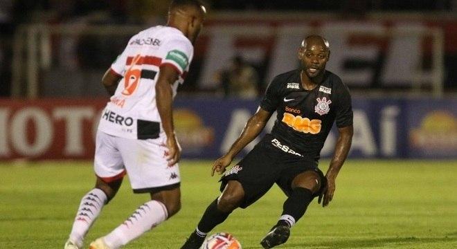 teve atuação apagada pelo Corinthians contra o Botafogo- aab9769c649e3