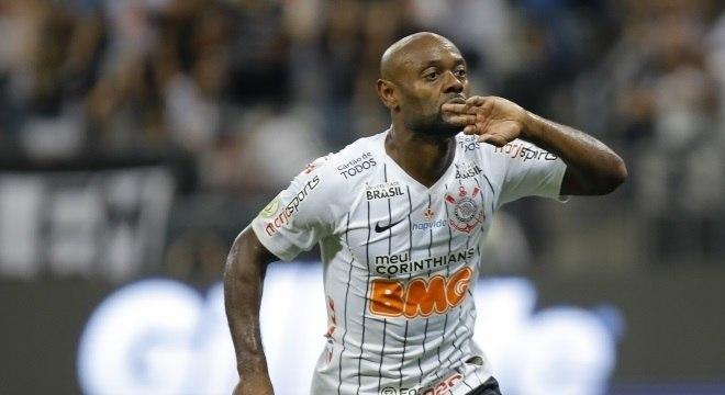 Vágner Love, de 35 anos, teria contrato com o Corinthians até o fim do ano