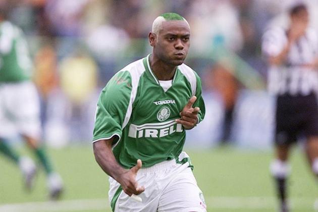 Vagner Love: identificado com o Corinthians, o atacante ficou conhecido na Copa São Paulo de 2003 com a camisa do Palmeiras