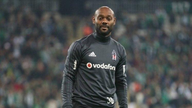 Vagner Love também recorreu à Justiça para deixar o Besiktas. Ele cobrou o time turco por não pagar seus salários.