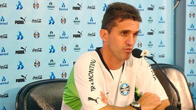 Vágner Mancini - Grêmio - 2008: Um caso raro de treinador que foi demitido mesmo invicto é Vágner Mancini. Em 2008, ele venceu quatro e empatou dois nos primeiros seis desafios do Grêmio na temporada e ainda assim perdeu o cargo para Celso Roth.