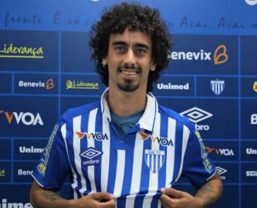 Valdívia: hoje no Avaí, o jogador ganhou destaque na Copinha de 2012 pelo Rondonópolis, do Mato Grosso, ao marcar oito gols