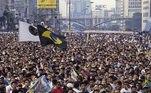 No mesmo ano o Anhangabaú concentrou milhares de pessoas que se reuniam para assistirem aos jogos do Brasil, na Copa do Mundo.
