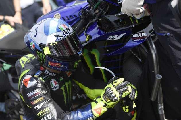 Valentino Rossi caiu e não conseguiu terminar a prova