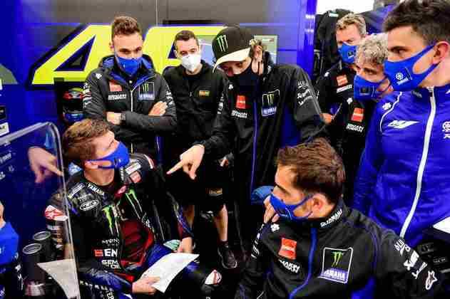 Valentino Rossi foi liberado para correr o restante do fim de semana