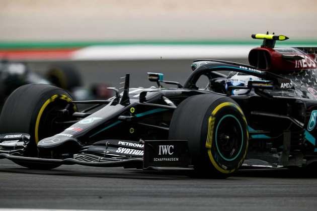Valtteri Bottas chegou a liderar boa parte da corrida em Portimão, mas ficou em segundo