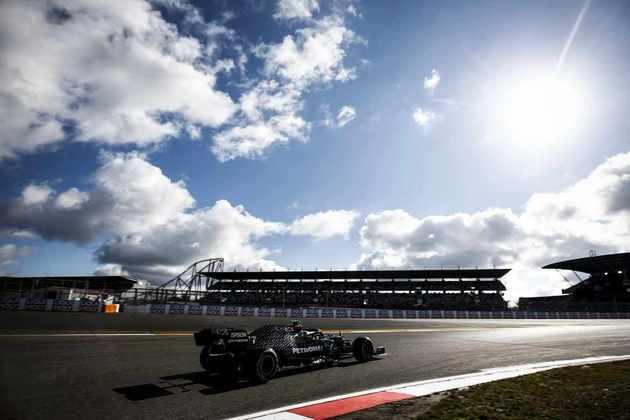 Valtteri Bottas, com 1min25s269, é o pole do GP de Eifel