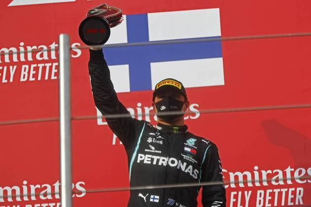 Valtteri Bottas largou na pole em Ímola, mas teve problemas e ficou em segundo