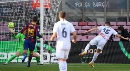 Valverde marcou e Real venceu último clássico