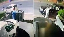 Vizinhança em pânico: vândalo com facão destrói retrovisores de carros