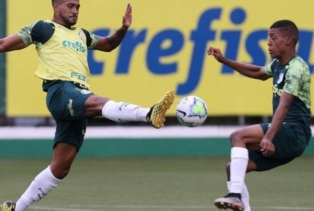 Vanderlan (à direita) (18 anos - lateral-esquerdo): Estreou no profissional contra o Vasco, há uma semana