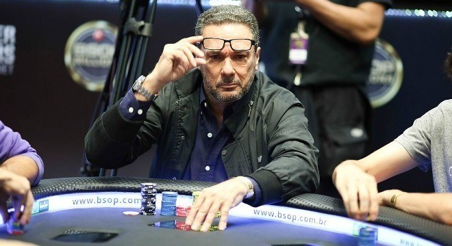 Jogar baralho publicamente está fora de cogitação para Luxemburgo
