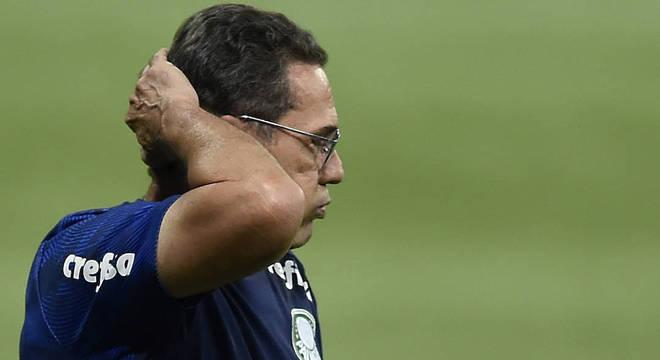 Vanderlei Luxemburgo foi demitido do comando do Palmeiras