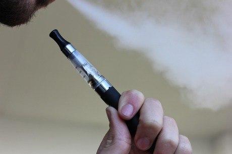 Cigarro eletrônico é pode causar doenças respiratórias