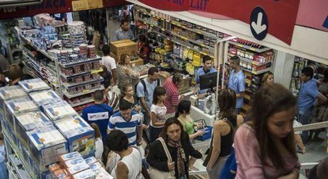 Pequenos lojistas refutam alta em vendas dos shoppings no Natal