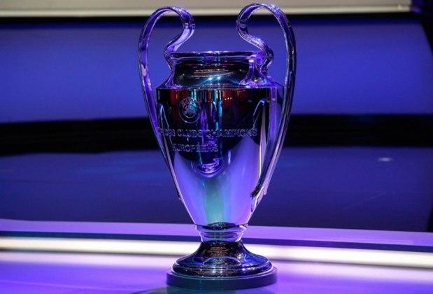 Vários jogos da Liga dos Campeões estão sendo disputados com os portões fechados. Paris Saint-Germain x Borussia Dortmund e Valencia x Atalanta não tiveram torcidas.