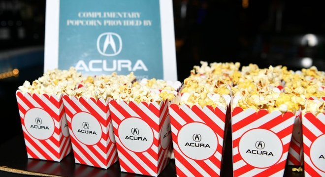 Quem nunca terminou de comer a pipoca pouco depois do início do filme no cinema?