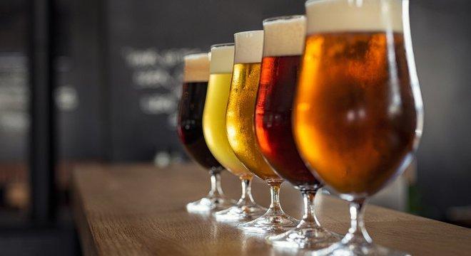 O fungo S. cerevisiae é usado para fermentar e produzir vários tipos de cerveja