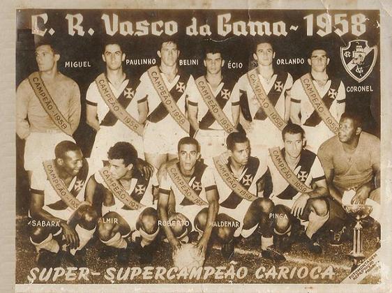 Vasco 1 x 1 Flamengo - 17/1/1959 (Super-supercampeonato de 1958) - O nome é este mesmo. Era a decisão da temporada anterior, uma das mais equilibradas de todos os tempos do futebol do Rio. O Rubro-Negro e o Botafogo fizeram jogo duro na reta final, e somente após dois triangulares é que o título ficou com o time de São Januário.