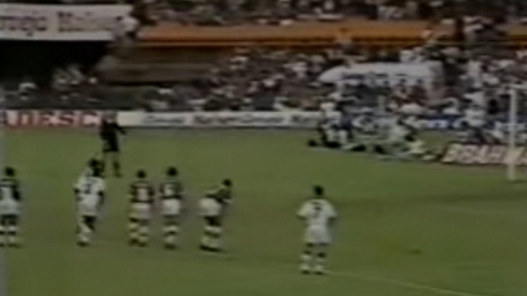 Vasco 2 x 0 Fluminense - 15/5/1994 - O tão festejado tricampeonato carioca seguido foi conquistado naquele dia. Um título com homenagem a Dener, com crias de São Januário e veteranos formando um entrosamento perfeito.