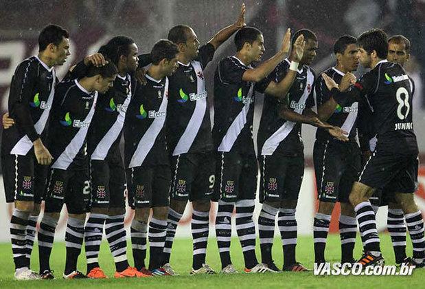 Vasco - Em 2012, vindo de um vice-campeonato em 2011, o Vasco começou embalado vencendo o Grêmio (2-1), a Portuguesa (0-1) e o Náutico (4-2). O Gigante da Colina terminou em quinto lugar, com 58 pontos no Brasileirão.