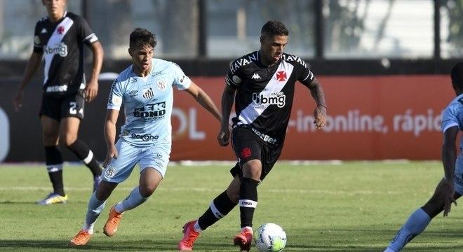 Vasco bate time misto do Santos neste domingo (20), em São Januário (RJ)