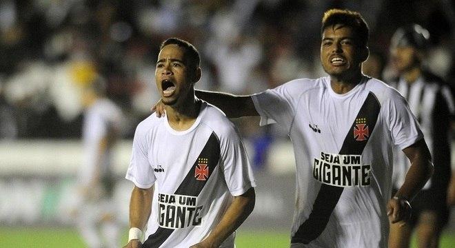 De pênalti, Yago Pikachu marcou o gol da virada vascaína