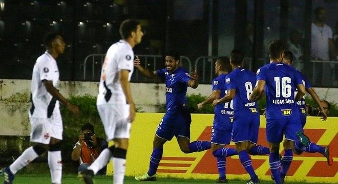 Cruzeiro foi a São Januário e goleou o Vasco por 4 a 0