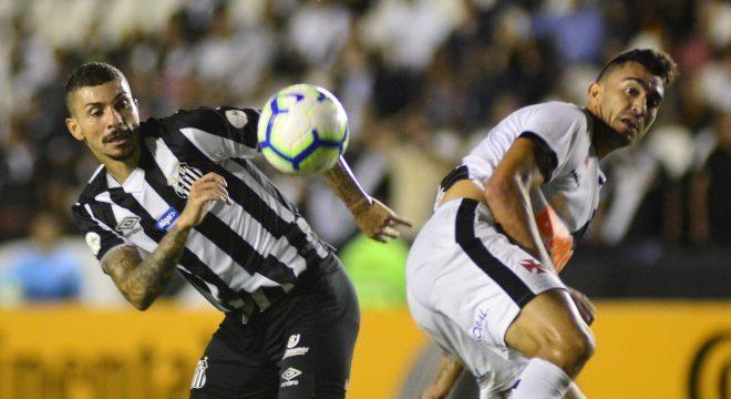 Vasco e Santos fizeram partida equilibrada nesta quarta-feira (24), em São Januário