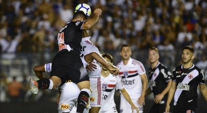 Vitória sobre o São Paulo livrou o Vasco de entrar no Z-4 nesta rodada
