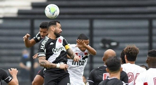 Vasco aproveitou as chances da segunda etapa