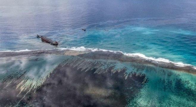 Vazamento de petróleo nas Ilhas Maurício.