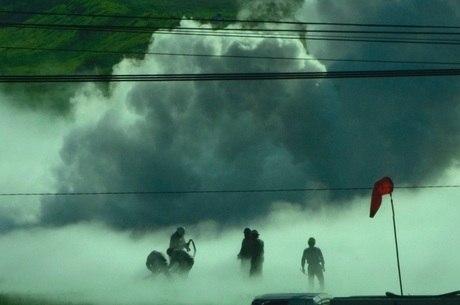 Mais de 500 agentes tentam controlar vazamento de gás
