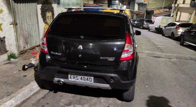 Veículo que teria sido utilizado por suspeitos de matarem investigador