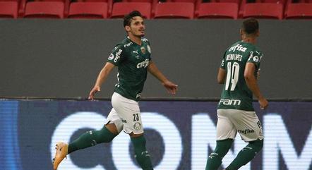 Raphael Veiga fez o gol do Palmeiras no jogo