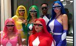 De Power Ranger vermelha, Kylie Jenner se juntou aos amigos para homenagear um dos grupos de super-heróis mais queridinhos