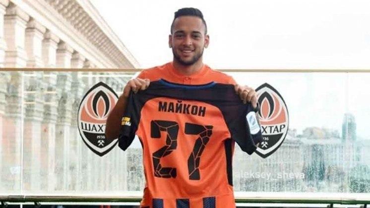 Venda de Maykon - a empresa B2F, que tinha direito a 10% da venda do jogador ao Shakhtar Donetsk-UCR, cobra do Corinthians, na Justiça o repasse de R$ 1,3 milhão. Segundo a empresa, apenas parte do valor devido foi pago pelo Timão (R$ 1,5 milhão).