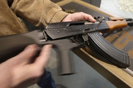 Armas pesadas são produzidas nos EUA ou passam pelo país