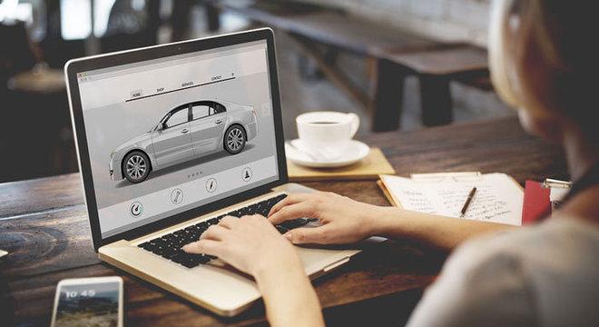 Clientes fazem cotações, configuram e até aprovam crédito online mas concretizam compra na loja