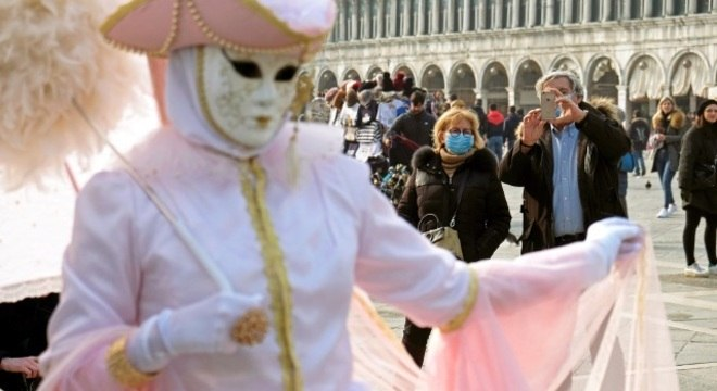 Carnaval de Veneza terminou mais cedo devido ao surto